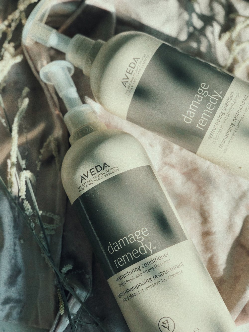 MY HOLY GRAIL! THE ONLY SHAMPOO AND CONDITIONER IS USE. AFTER BLEACHING MY HAIR OVER 10 YEARS IT WAS DRY AND DAMAGED AF AND THIS IS WHAT IS SLOWLY BUT SURELY BRINGING IT BACK TO LIFE. I BEEN USING THIS FOR ALMOST 8 MONTHS NOW AND MY HAIR GOT HIS THICKNESS BACK. IF YOU WANNA SPLURGE, SPLURGE ON THE  AVEDA DAMAGE REMEDY LINE . - J