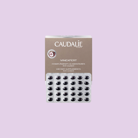 I AM STRUGGLING WITH DULL AND TIRED SKIN IN THE WINTER FROM TIME TO TIME. BUT ONE OF OUR FAVORITE BEAUTY BRAND HAS GOT OUR BACKS, AGAIN! THE   VINEXPERT DIETARY SUPPLEMENTS BY CAUDALÍE   ARE ANTI AGING, LEAVE SKIN MOISTURIZED AND FIRM AND PROTECT THE SKIN FROM FREE RADICALS AS WELL. RESPONSIBLE FOR THIS IS THEIR FAMOUS GRAPE SEED OIL AND ALSO STARFLOWER SEED OIL AND PRIMROSE SEED OIL AMONG OTHERS .POP 2 PER DAY FOR WOW-SKIN. WE CAN DO THAT. -J