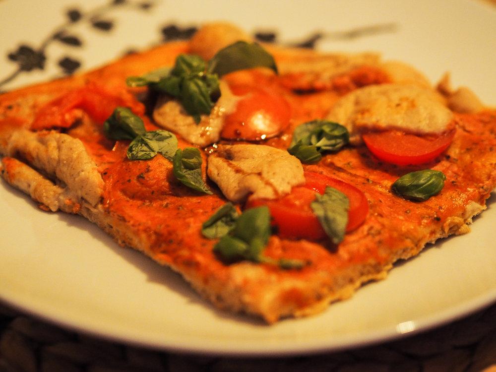 vegane Pizza Caprese