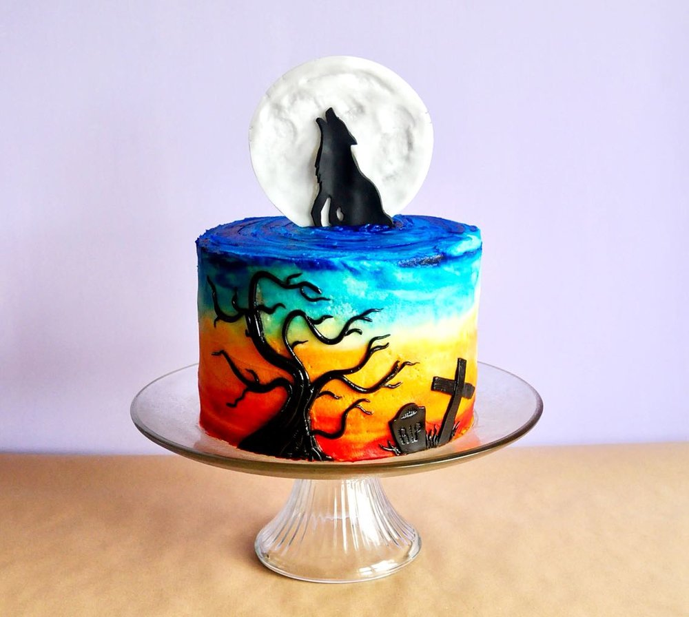 howling wolf cake