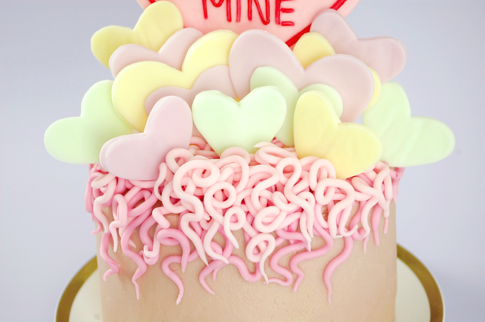 How To Make A Love Hearts Valentine Cake
