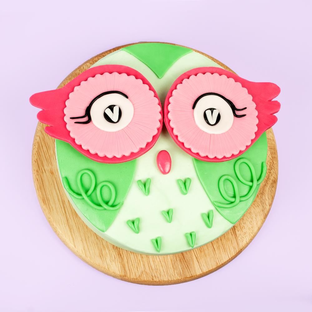 Cute AF Owl Cake