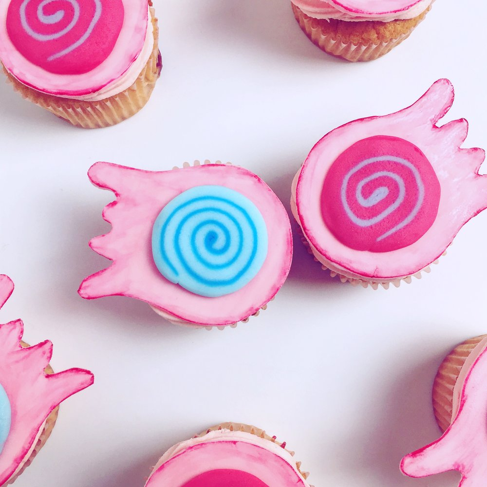 Super Simple Luna Lovegood Cupcakes (DIY Spectrespecs)