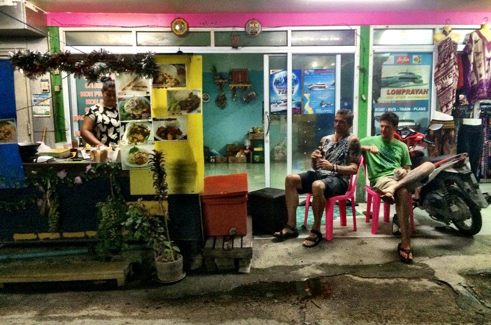 Street vendor, Mae Haad, Thailand
