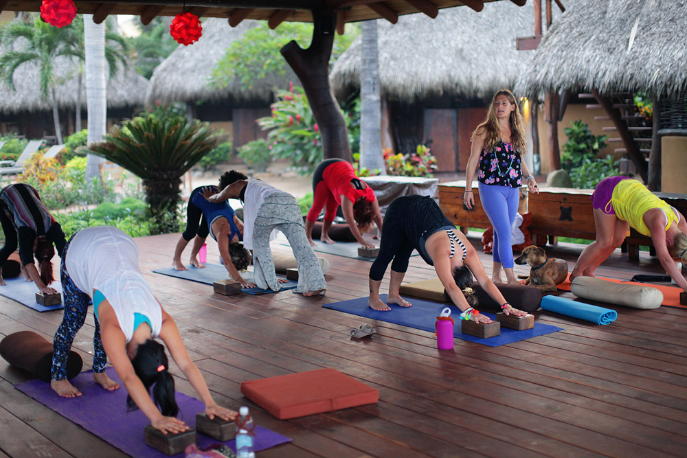 kula-collective-yoga-teacher-training-mexico-200HR.jpg
