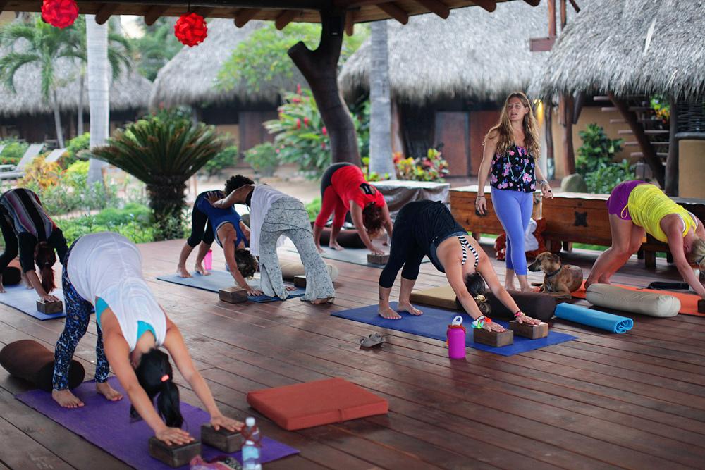kula-collective-yoga-teacher-training-mexico-200HR.jpg