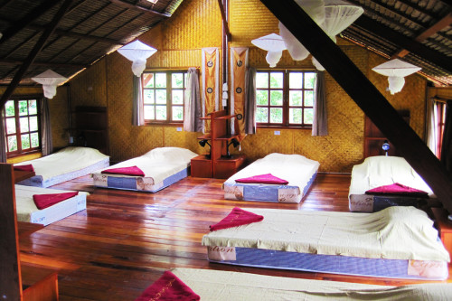 kula-collective-ytt-sanctuary-thai-accommodation-yoga-class (1).jpg