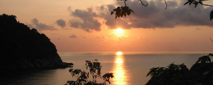 kula-collective-ytt-thai-sunset-yoga-class.jpg