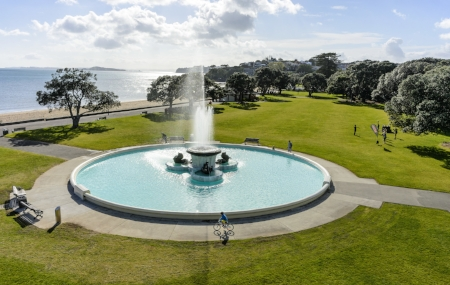fountain-water-ocean-sea-feature-grass-park-beach-trees
