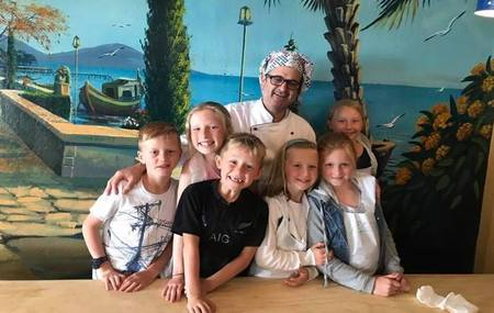 ANDREA RISTORANTE   Kids Cooking Classes   Let Italian Chef Andrea teach the kids how to cook so you can have a night off! In just two hours Andrea will teach them how to prepare pizza and pasta.  Find out more and  book  a class.*  *Minimum 8 kids per booking. Ages 6 - 14 years.