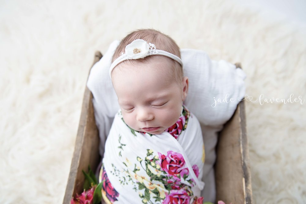 floral-newborn-photography-baby-photos-spokane-washington.jpg