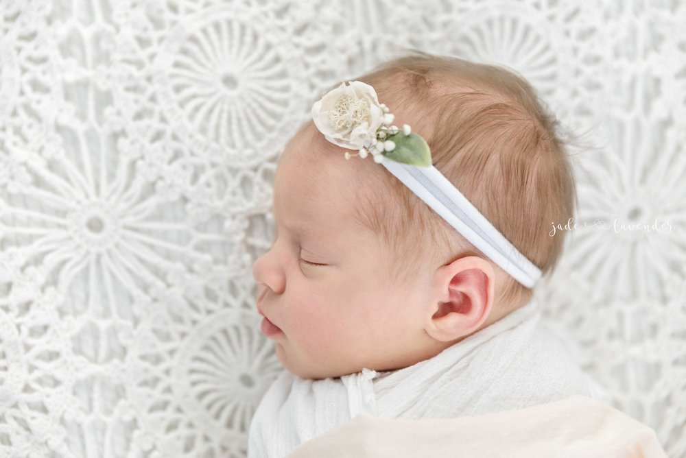 baby-images-infant-photos-photogrpah-professional-newborn-photoshoot-local-spokane-washington (4 of 6).jpg