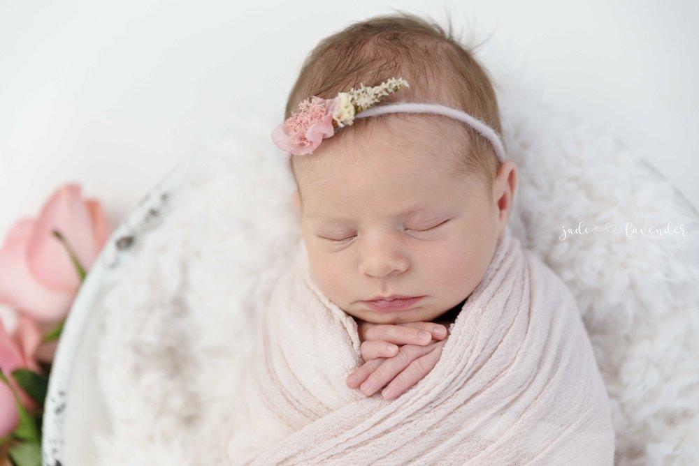 baby-images-infant-photos-photogrpahy-professional-newborn-photoshoot-local-spokane-washington (6 of 6).jpg