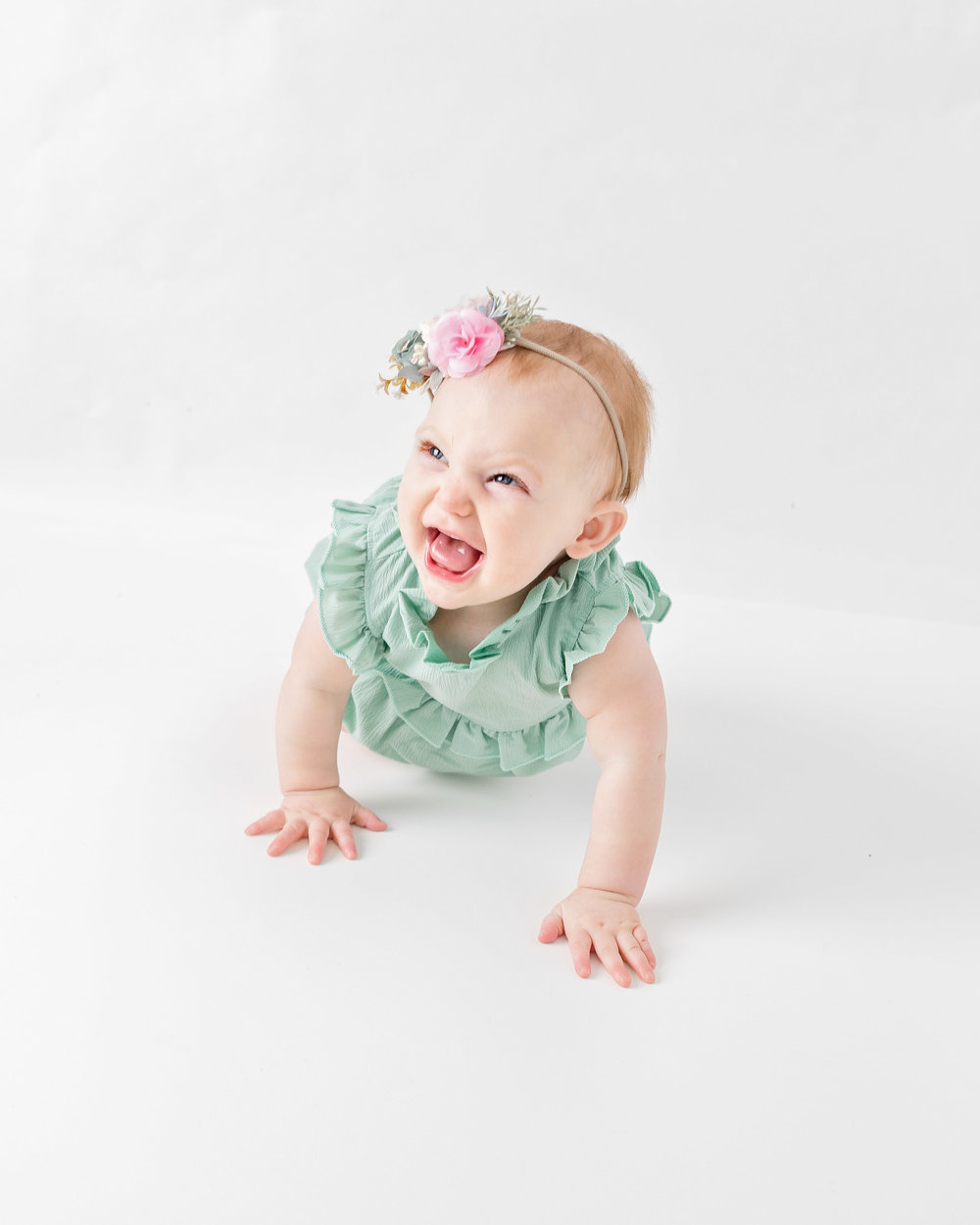 baby-girl-nine-month-photos-milestone-photography-infant-pictures.jpg