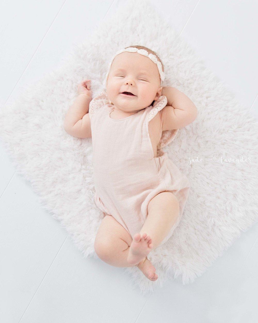 three-month-milestone-photos-baby-girl-images-newborn-photography-spokane-washington.jpg