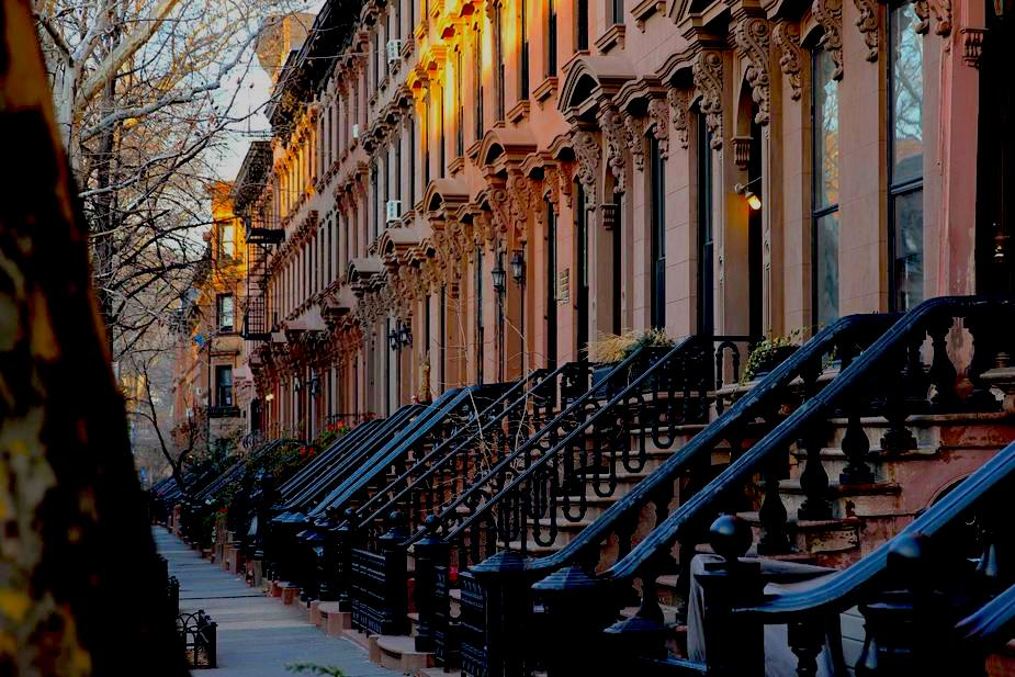 row-of-city-houses_925x.jpg