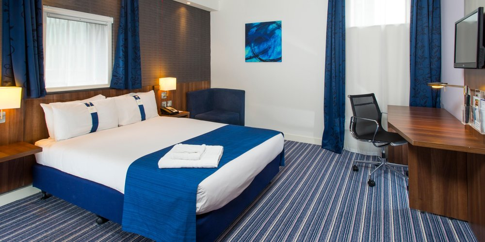 HOLIDAY INN EXPRESS - BIRMINGHAM