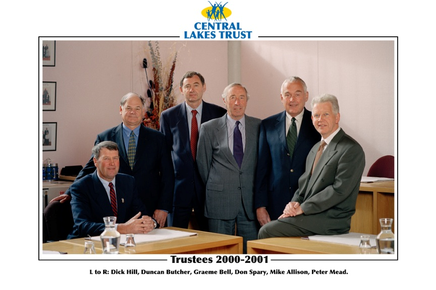 Former Trustees_1 2000-2001.png