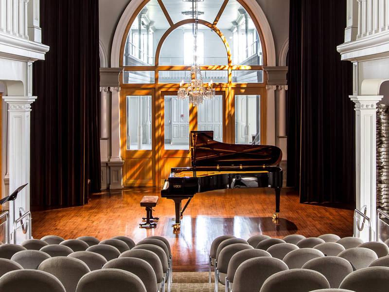 chapelle-historique-du-bon-pasteur-montreal-salle-de-concert.jpg