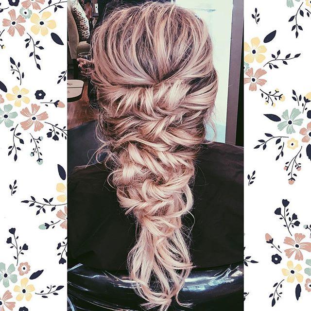 •perfect imperfection• #weddinghair #weddinghairstyle #braid #braidedhairstyle #allthefeels #modernsalon #coloradohair #coloradohairstylist