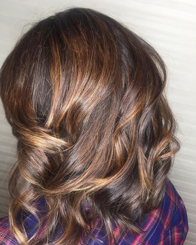 It's really feelin' like fall y'all 🍂 Beautiful cut and color by Kiki