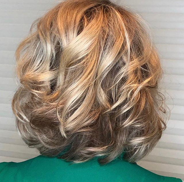Just because summer is ending doesn't mean there can't be sunshine.  Work by @boulderstylist  #blondehair #blondebalayage #blondehighlights #blondebob #modernsalon