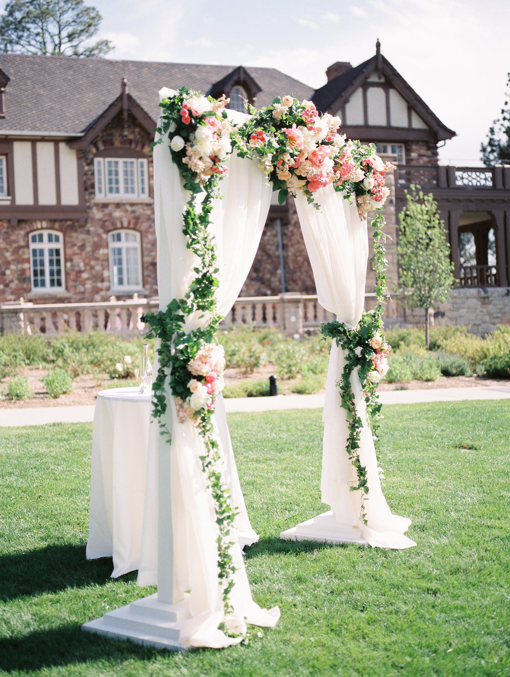Beautiful-Classic-Mansion-Wedding73.jpg