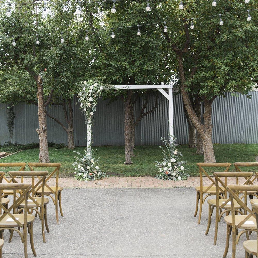 navy-Wedding-Dress-Martha-Stewart71.jpg