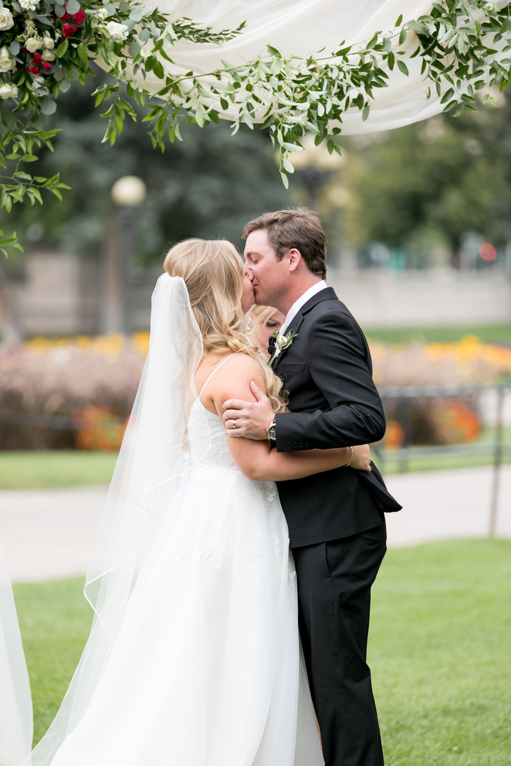 city-chic-downtown-denver-park-wedding60.jpg
