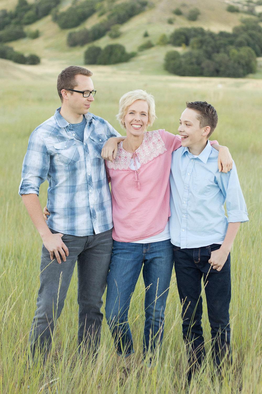 mother-sons-photo-idea.jpg