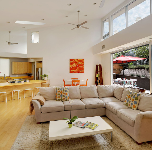 "Modern fan 摩登扇 - 對於生活風格 有一定的堅持對於極簡設計 有極度的追求讓產品成為人人可負擔的好設計是我們的願景結合美國現代簡約設計及頂級工藝技術品質將環保節能的吊扇概念運用至居家生活中賦予居家裝飾不僅是美的象徵,更能滿足需求讓吊扇不僅是吊扇,而是四季皆可觀賞及使用的""居家裝飾""。"
