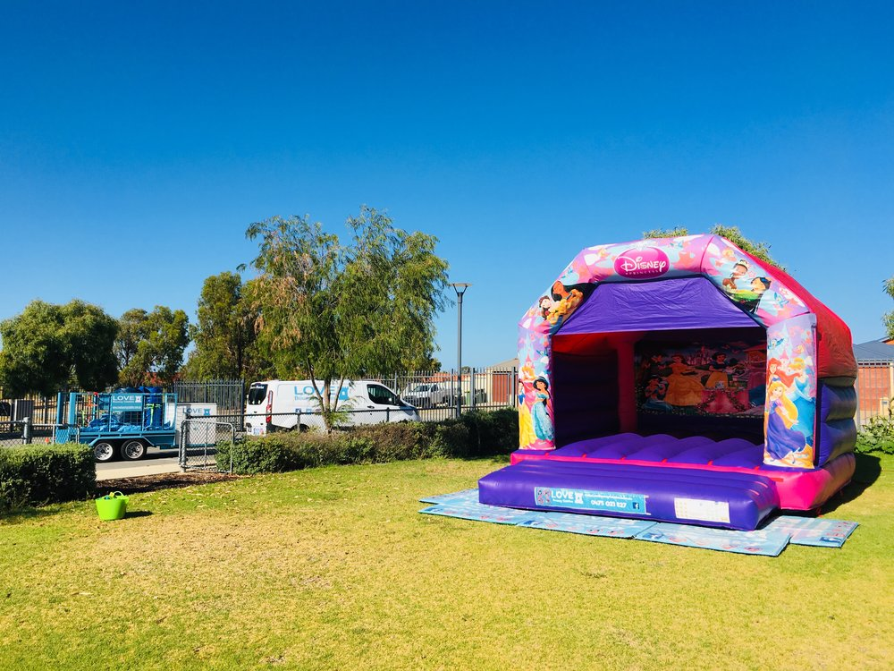 Adult Princess Bouncy Castle In Mandurah