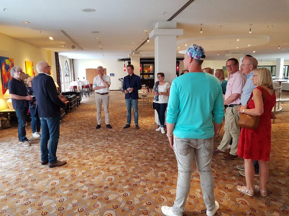 Opening met medewerking van de Nederlandse vereniging Dresden.