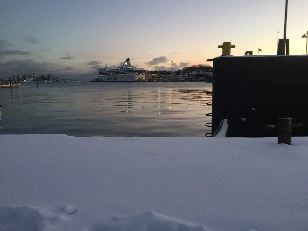 Helsinki's Bay at Dusk    photo by L.D. Van Cleave