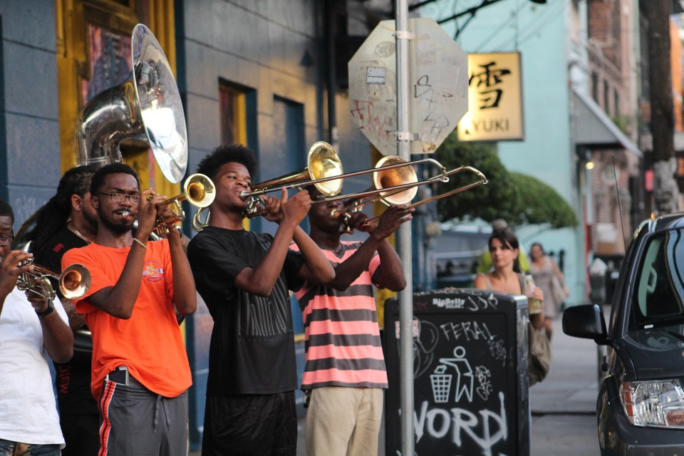 New Orleanian Street Perfomers