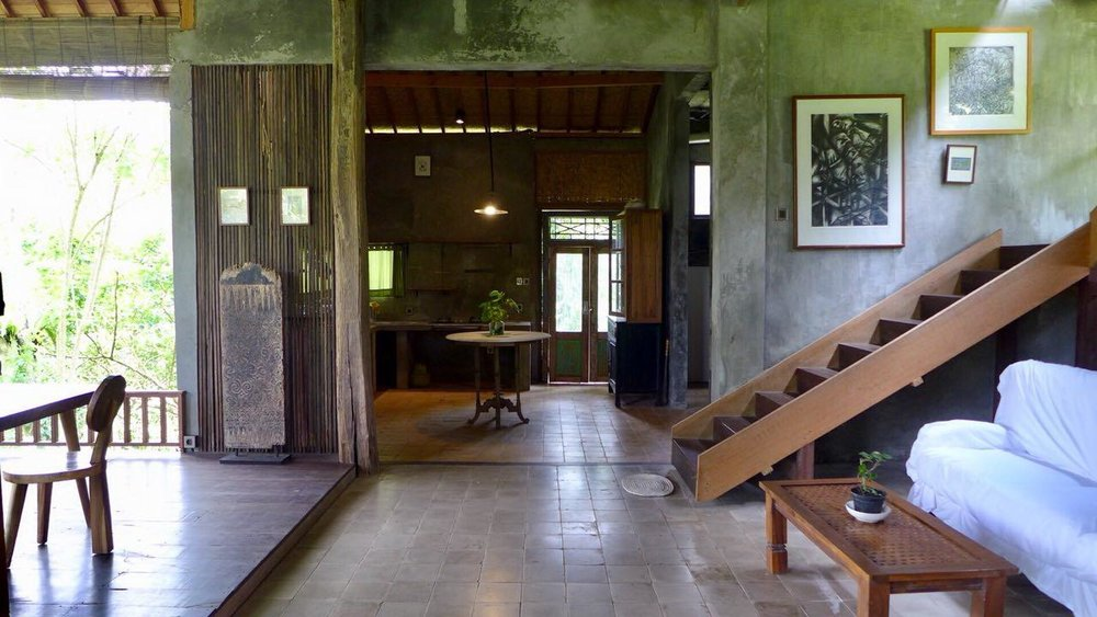 Bali Hai, Ubud - This is where the wild jungle meets an amazing view over the famous rice fields. Bali Hai even has a waterfall!! And the price? You'll stay here for only € 29 euro per night