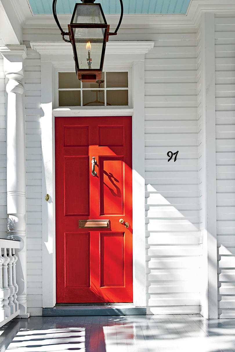 bright_red_chs_door_2369501_926.jpg