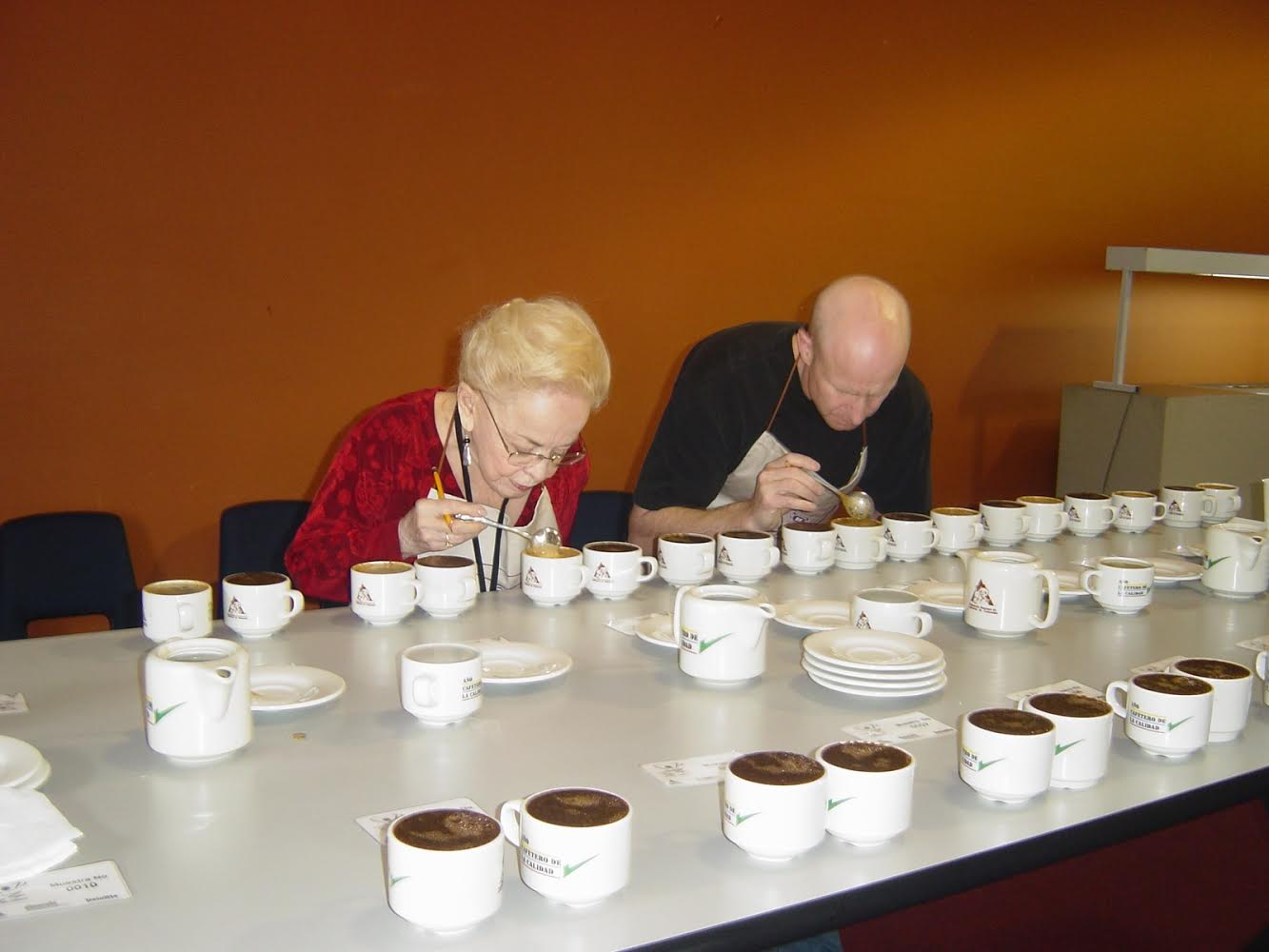 CoE Colombia 2005: Specialty Coffee Pioneers Erna Knudsen cupping with Bob Fulmer