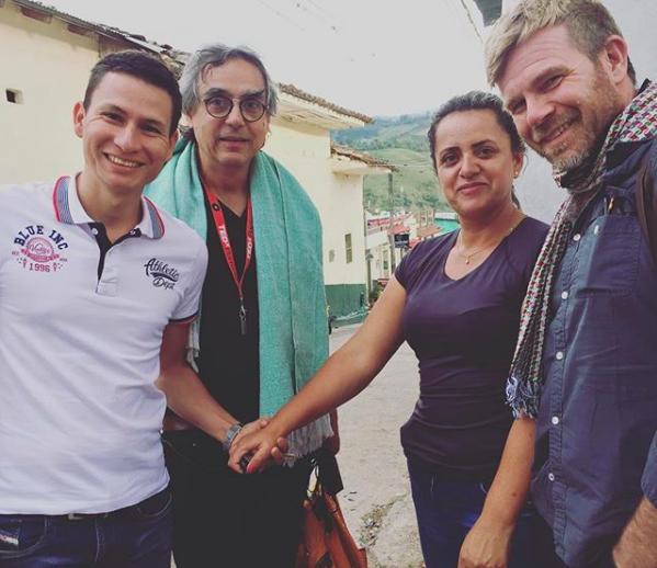 De izquierda a derecha:Eduardo Urquina y Alejandro Renjifo de Fairfield Trading,Astrid Medina, y Robert de CCS. Astrid estuvo en Acevedo durante el concurso CCS Acevedo Cup 2018 para apoyar y aprender de sus colegas cafeteros huilenses.
