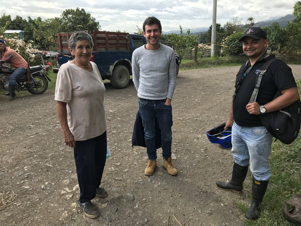Producer Carmen, Simon (Sales Representative at LPET) and Edwin (agronomist at LPET).