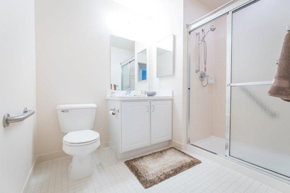 Meer bathroom.jpg