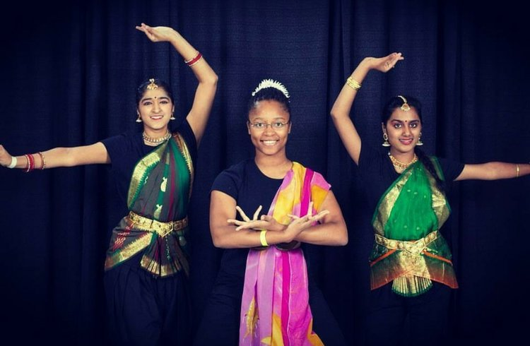 Posing with fellow Ishara: Classical Indian Dance team members. Photo credit: Long-Hillie, 2018