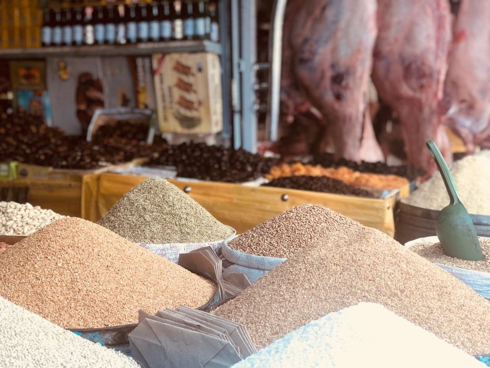 Piles of ingredients for sale at the souq. Photo credit: J. Miller, Fall 2018