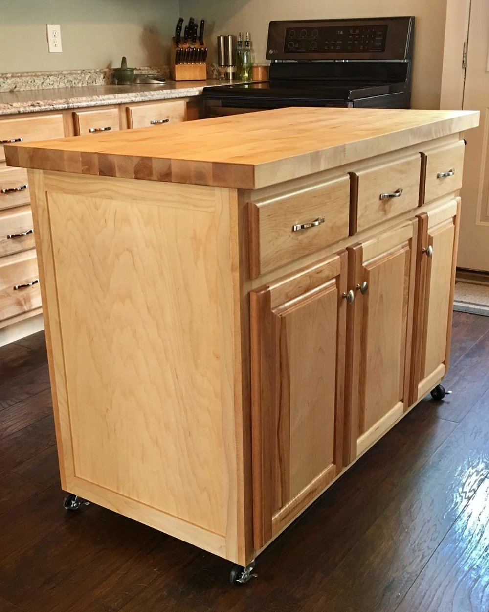 Kitchen Island in Maple