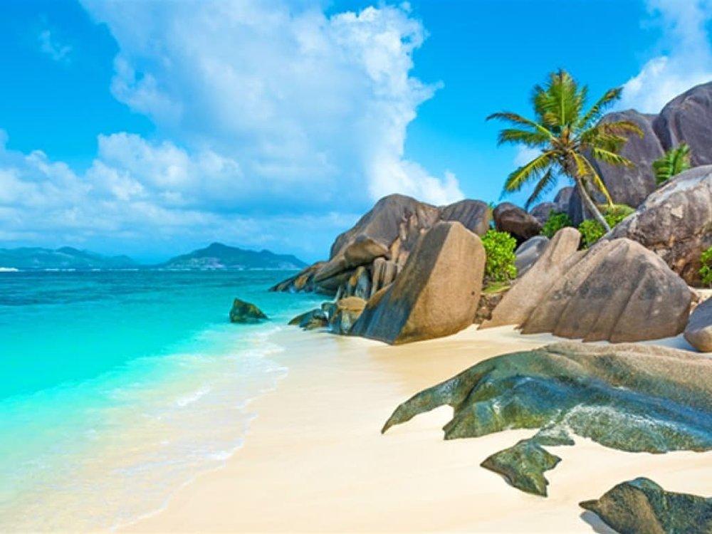 yachtEA-Seychelles.002.jpeg