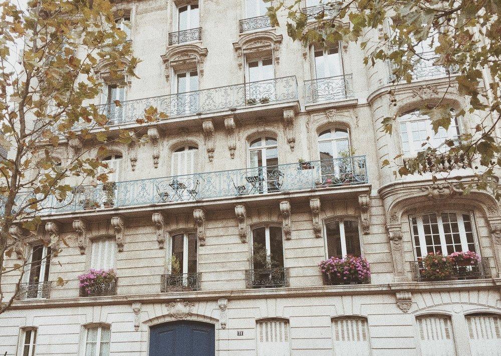 architecture_design_lemarais_paris_france_travelguide_vacationguide_tourist