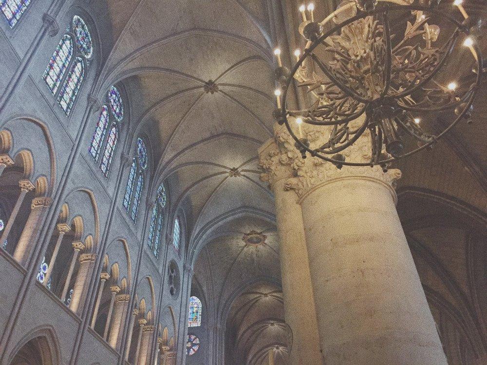 notredame_basilica_paris_france_touristguide_travelguide_cityguide_vacation_europe_eurotrip
