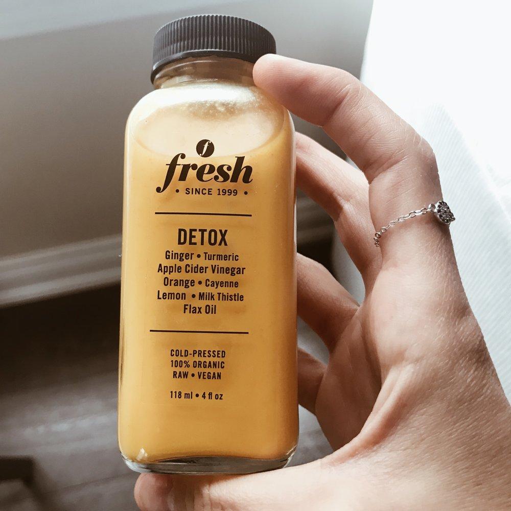 fresh detox juice healthy eating