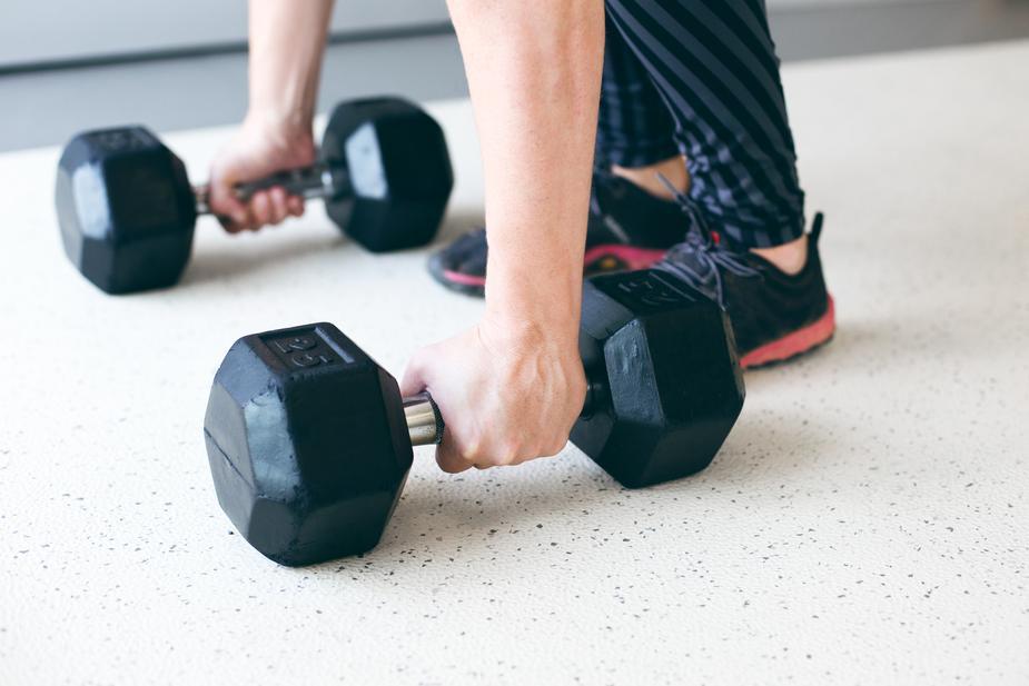 hand-lift-free-weights_925x.jpg