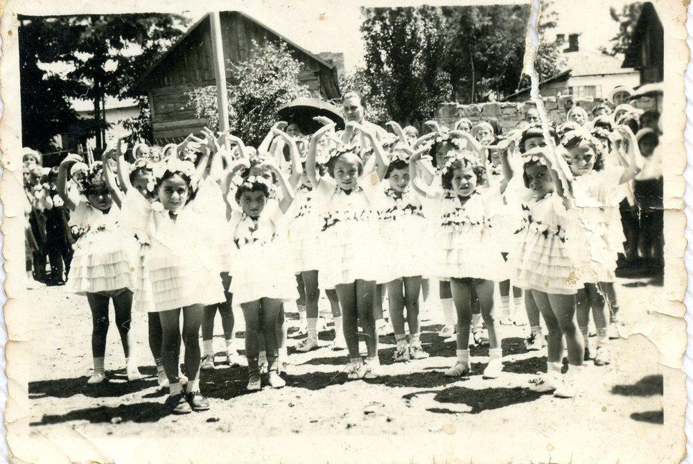 1938 - Khana's kindergarten class, Soroka